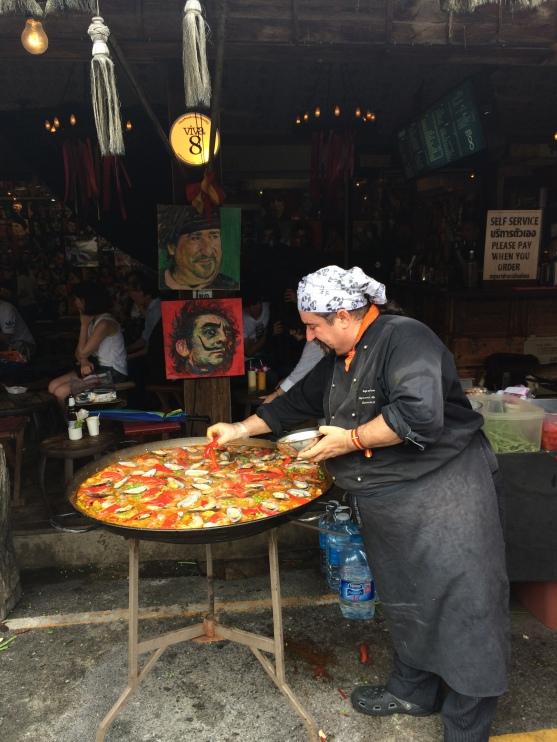 تقدم بانكوك لمحبي المذاق اللذيذ كل ما لذ وطاب من مأكولات محلية وأجنبية