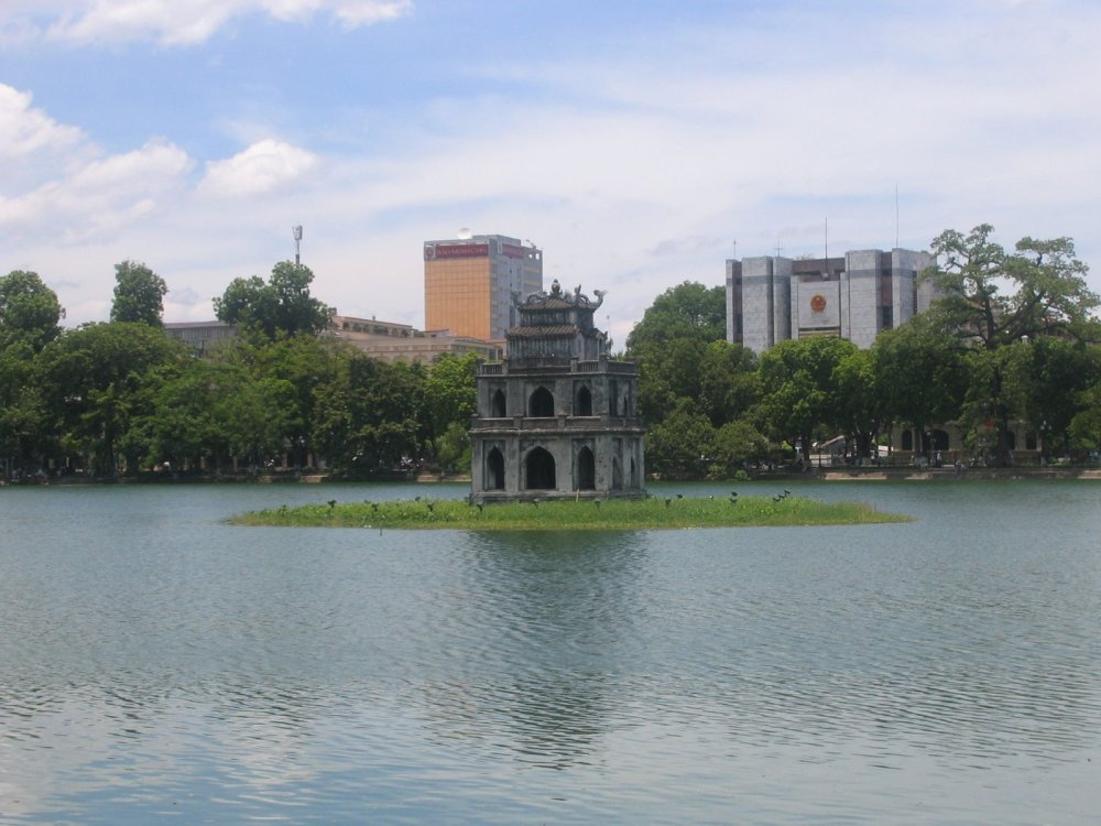 02-Hoàn Kiếm Lake_By vi User DHN.jpg